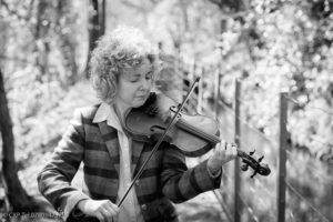 Brid Harper playing the fiddle